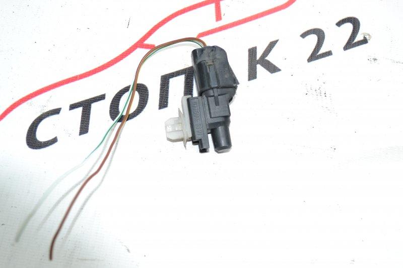 Датчик температуры воздуха Toyota Corolla NZE120 1NZ 2000 (б/у)