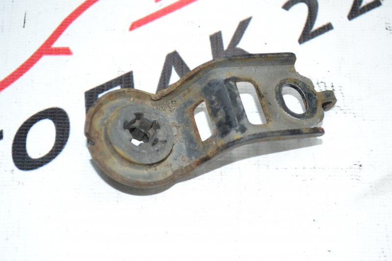 Крепление радиатора охлаждения Toyota Corolla NZE120 1NZ 2000 (б/у)