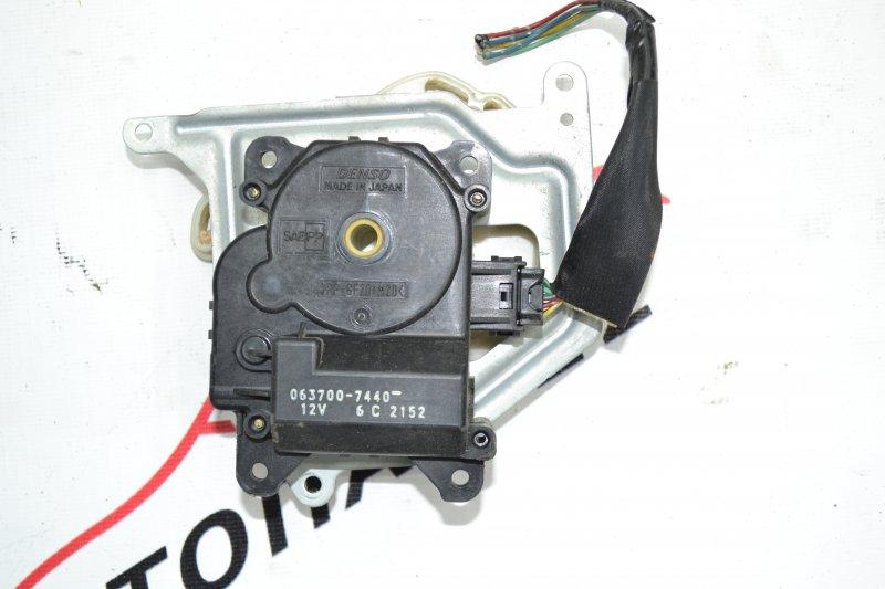 Сервопривод заслонок печки Toyota Corolla NZE120 1NZ 2000 (б/у)