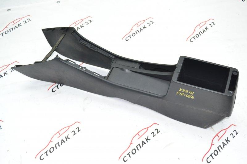 Консоль между сидений Toyota Corolla NZE120 1NZ 2000 (б/у)