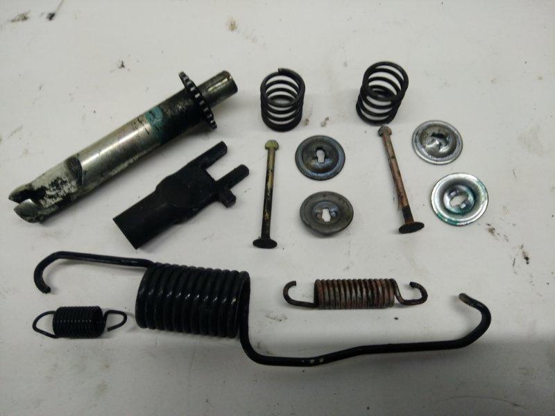 Механизм стояночного тормоза Toyota Ipsum SXM10 задний левый (б/у)