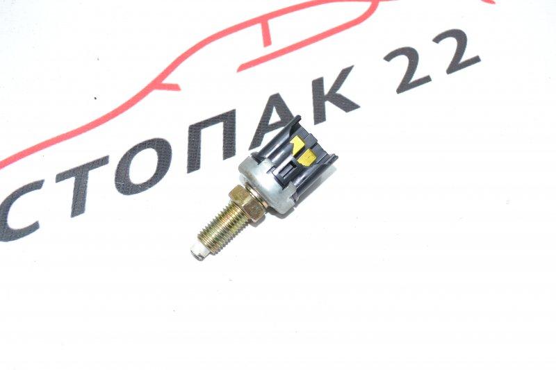 Концевик под педаль тормоза Toyota Corolla NZE120 1NZ 2000 (б/у)