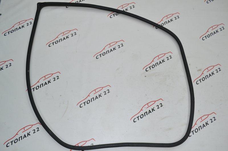 Уплотнитель проёма двери Toyota Corolla NZE121 1NZ 2004 передний правый (б/у)