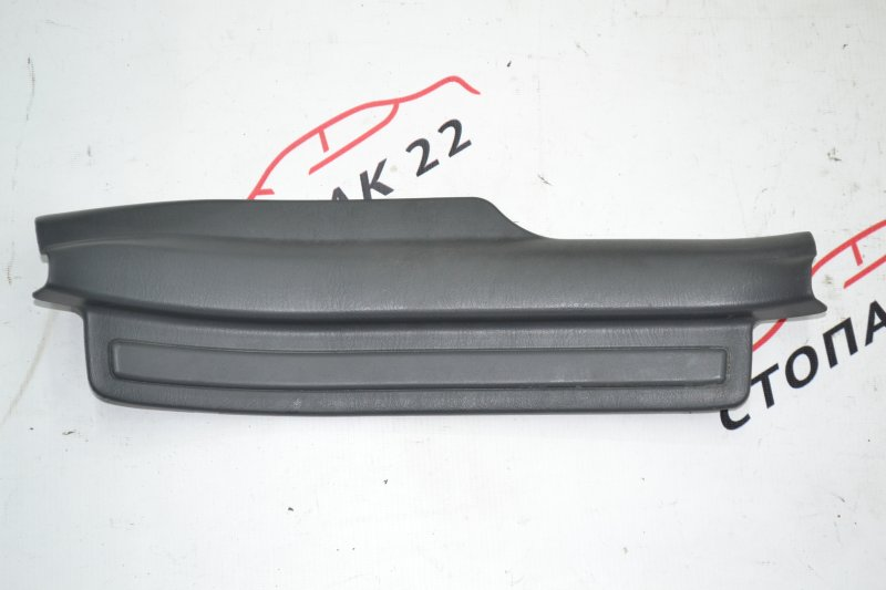 Накладка на порог внутренняя Toyota Corolla NZE120 1NZ 2000 задняя правая (б/у)