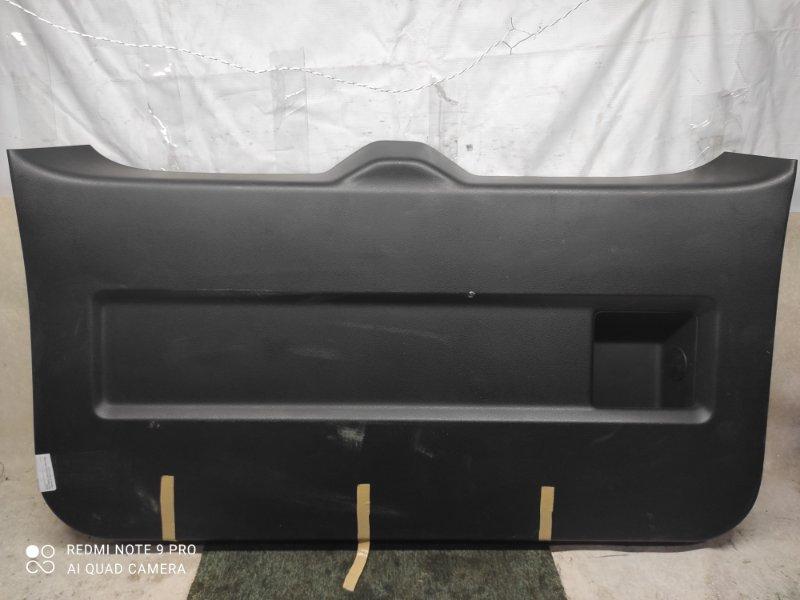 Обшивка двери багажника Suzuki Escudo TD54W (б/у)