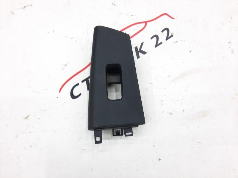 Накладка кнопки стеклоподьёмника Toyota Corolla NZE120 1NZ 2000 задняя правая (б/у)