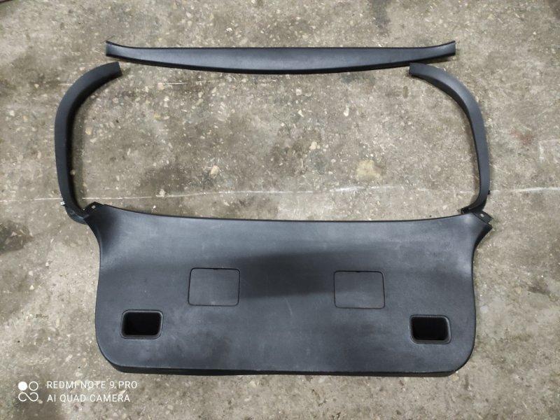 Обшивка двери багажника Toyota Allex NZE121 (б/у)