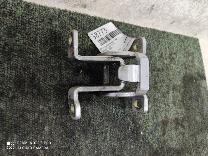 Петля задней двери Suzuki Escudo TD52 верхняя (б/у)