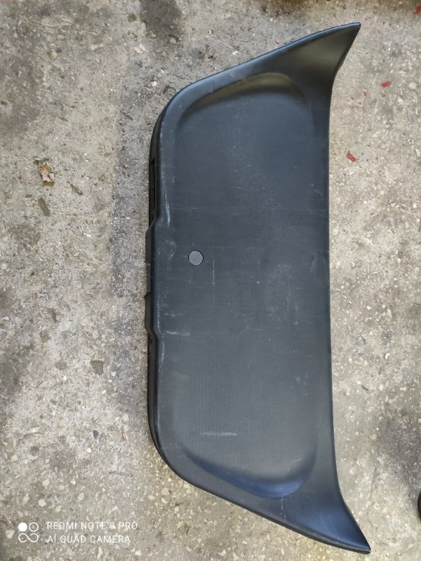Обшивка двери багажника Honda Fit GD1 (б/у)