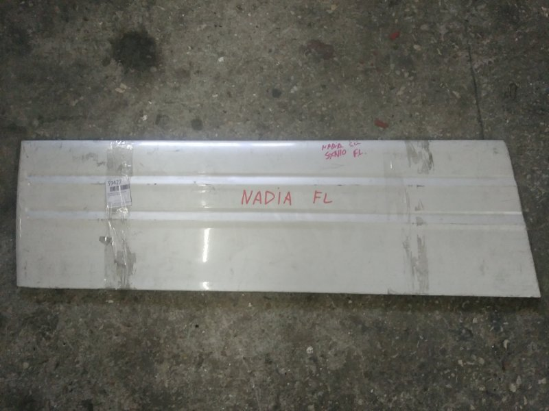 Накладка на дверь Toyota Nadia SXN10 передняя левая (б/у)
