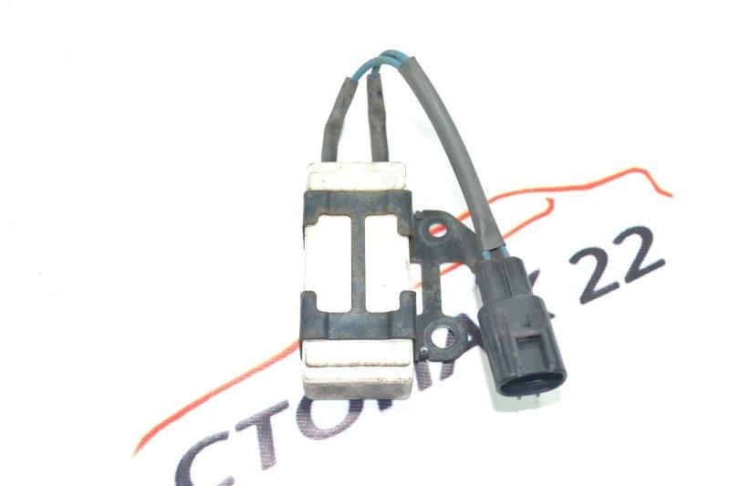 Резистор вентилятора охлаждения Toyota Corolla NZE120 1NZ 2000 (б/у)