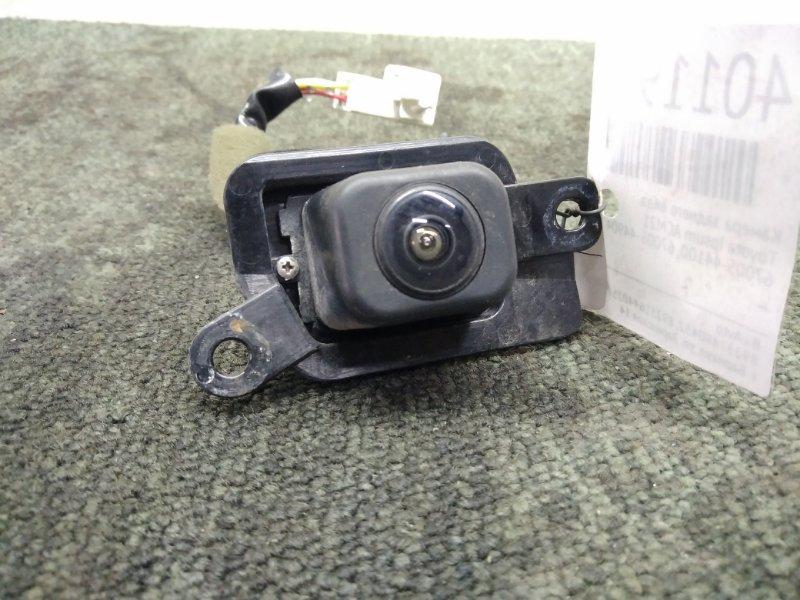 Камера заднего вида Toyota Ipsum ACM21 (б/у)