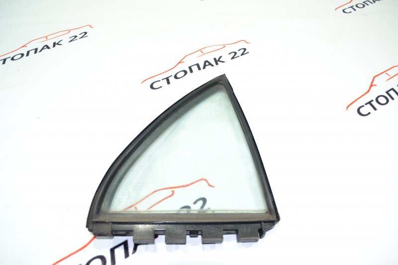Форточка двери Toyota Corolla NZE120 1NZ 2000 правая (б/у)