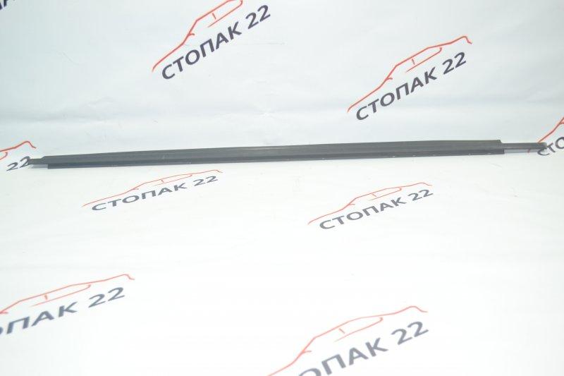 Молдинг стекла Toyota Corolla NZE120 1NZ 2000 передний левый (б/у)