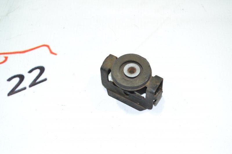 Крепление радиатора кондиционера Toyota Corolla NZE120 1NZ 2000 верхнее (б/у)