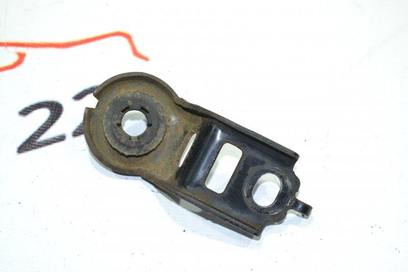Крепление радиатора охлаждения Toyota Corolla NZE120 1NZ 2000 верхнее (б/у)