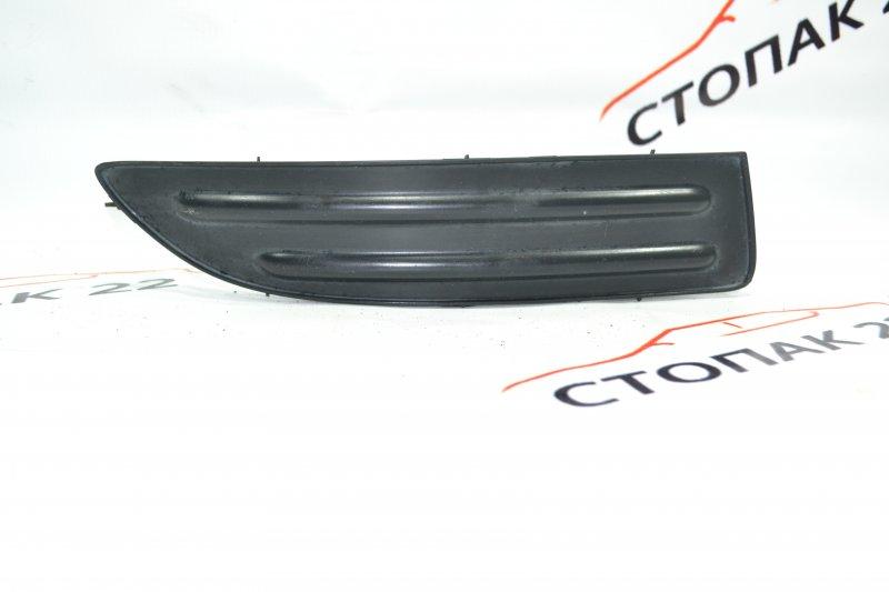 Заглушка бампера Toyota Corolla NZE120 1NZ 2000 правая (б/у)