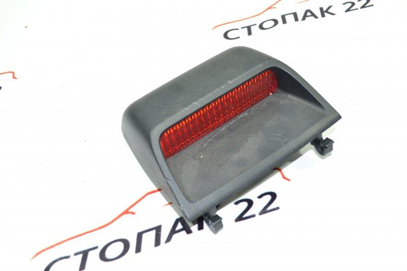 Стоп-сигнал Toyota Corolla NZE120 1NZ 2000 (б/у)
