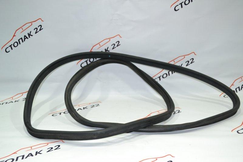 Уплотнитель багажника Toyota Corolla NZE120 1NZ 2000 (б/у)