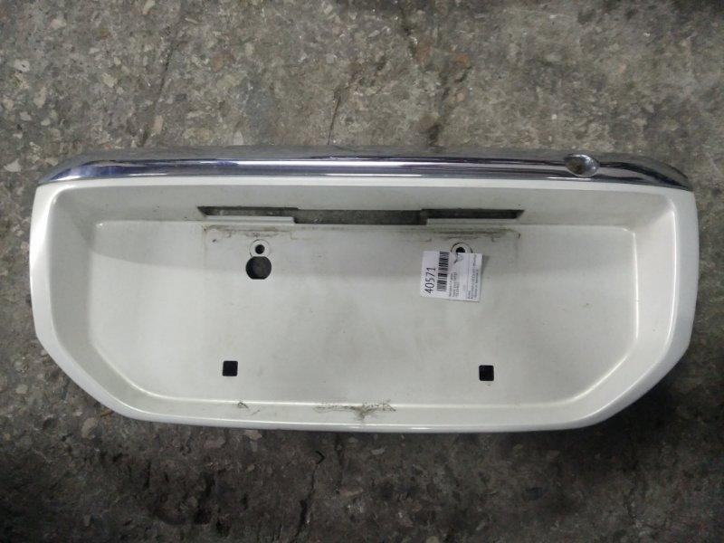 Накладка 5-й двери Toyota Ipsum SXM10 (б/у)