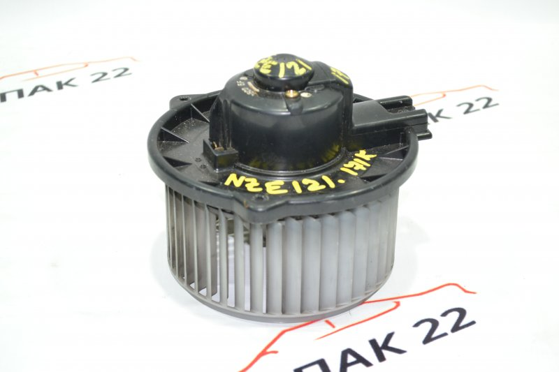 Мотор печки Toyota Corolla NZE121 1NZ 2001 (б/у)