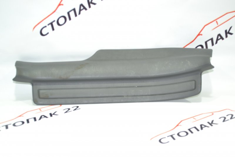 Накладка на порог Toyota Corolla NZE120 1NZ 2000 задняя левая (б/у)