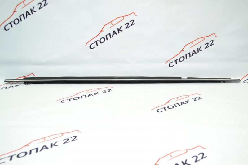 Молдинг стекла Toyota Corolla NZE120 1NZ 2000 задний левый (б/у)