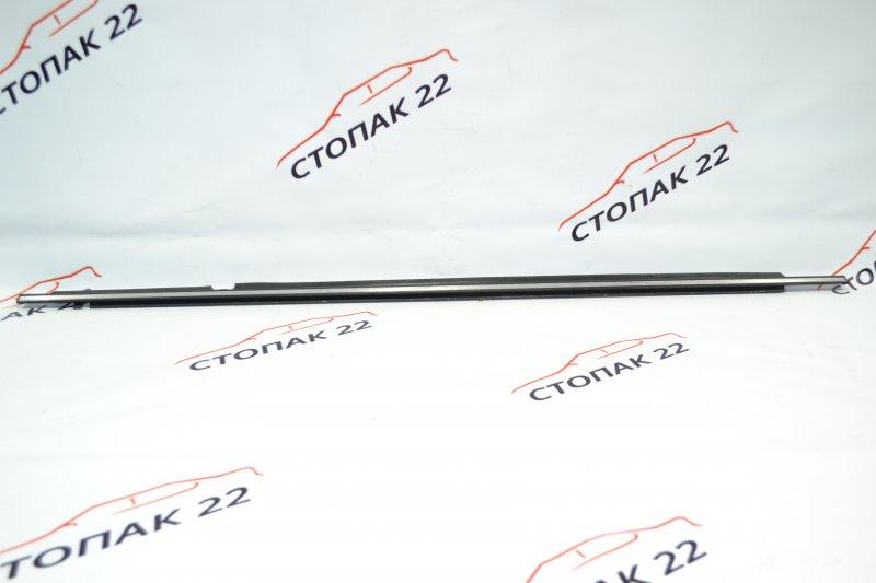Молдинг стекла Toyota Corolla NZE120 1NZ 2000 задний правый (б/у)