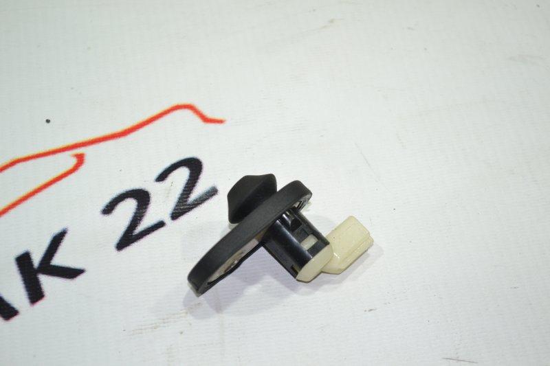 Концевик двери Toyota Corolla NZE120 1NZ 2000 задний (б/у)
