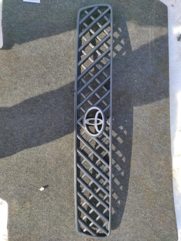 Решетка радиатора Toyota Rav4 SXA10 1994 (б/у)
