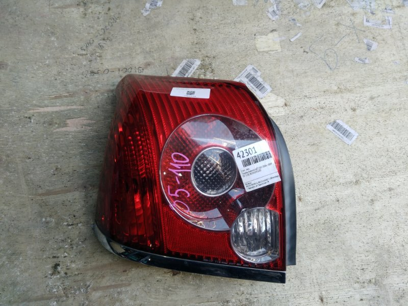 Стоп Toyota Avensis AZT250 2006 левый (б/у)