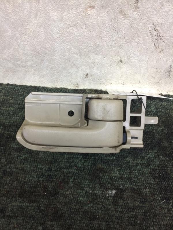Ручка двери внутренняя Toyota Corolla NZE121 задняя правая (б/у)