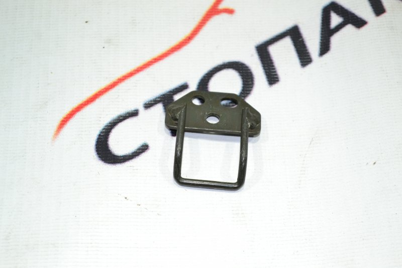 Петля бардачка Toyota Corolla NZE121 1NZ 2001 (б/у)