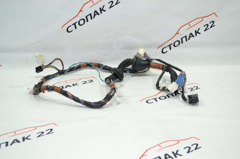 Проводка с двери Toyota Corolla NZE121 1NZ 2001 передняя правая (б/у)