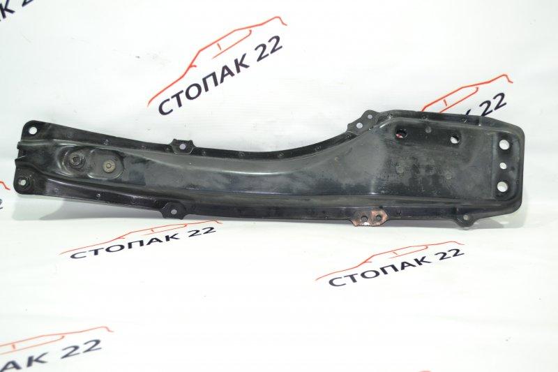 Балка передняя продольная Toyota Corolla NZE121 1NZ 2001 передняя (б/у)