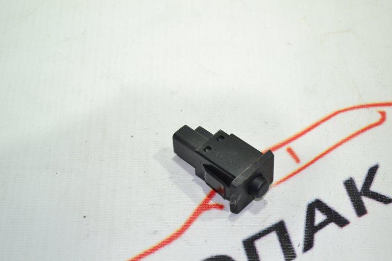 Кнопка датчика давления шин Toyota Corolla NZE121 1NZ 2001 (б/у)