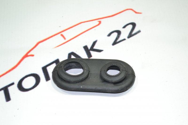 Втулка трубки кондиционера Toyota Corolla NZE121 1NZ 2001 (б/у)