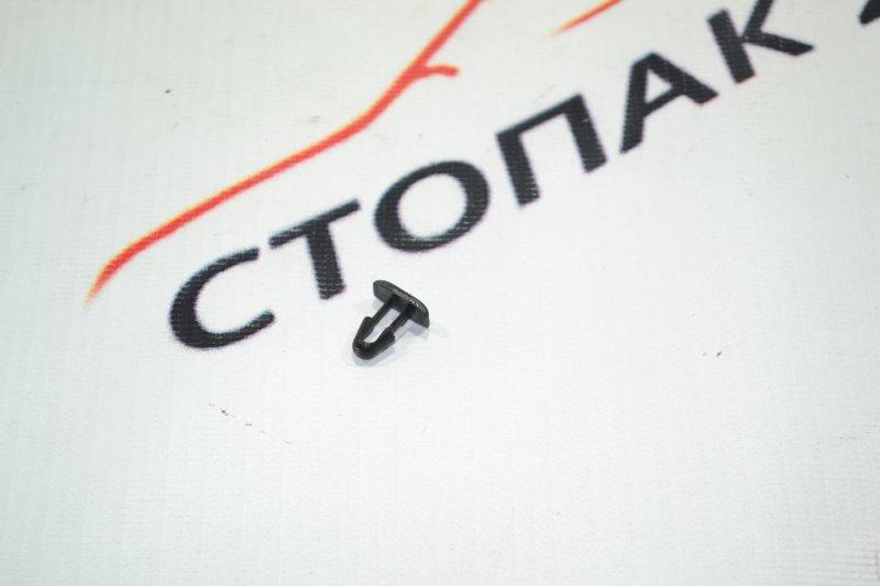 Клипса Toyota Corolla NZE121 1NZ 2001 (б/у)