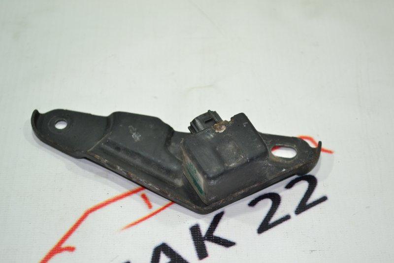 Датчик airbag Toyota Spacio NZE121 1NZ 2001 левый (б/у)