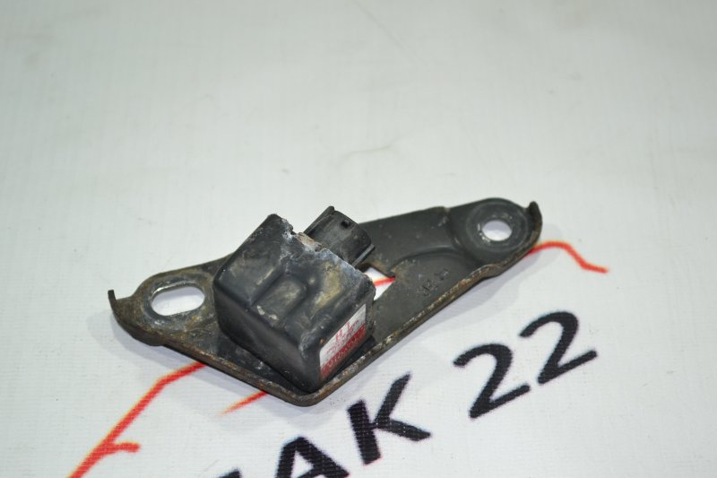 Датчик airbag Toyota Spacio NZE121 1NZ 2001 правый (б/у)