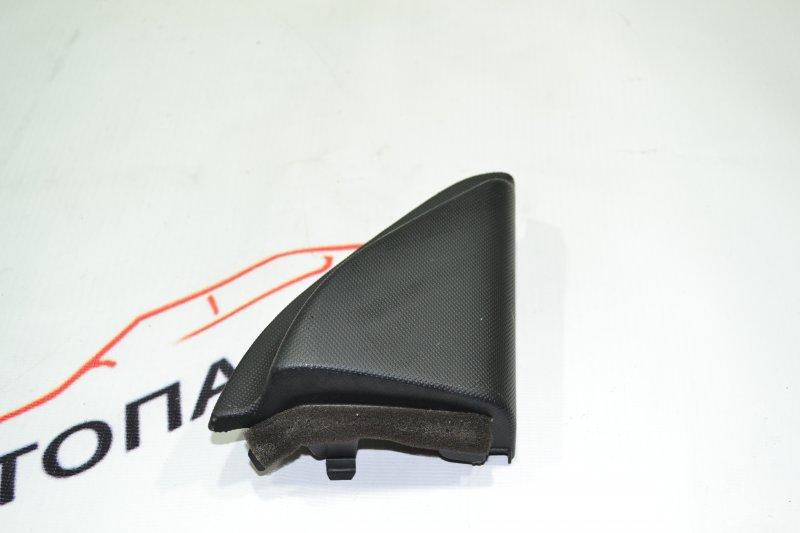 Уголок двери Toyota Corolla NZE121 1NZ 2001 правый (б/у)