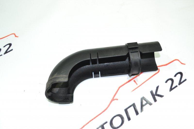 Кожух патрубка бензобака Toyota Corolla NZE121 1NZ 2001 (б/у)