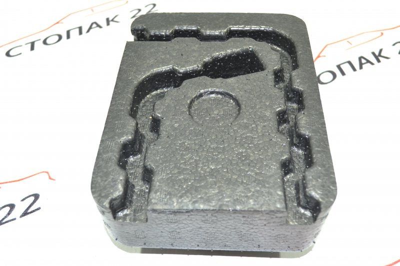 Подушка запасного колеса Toyota Corolla NZE121 1NZ 2001 (б/у)