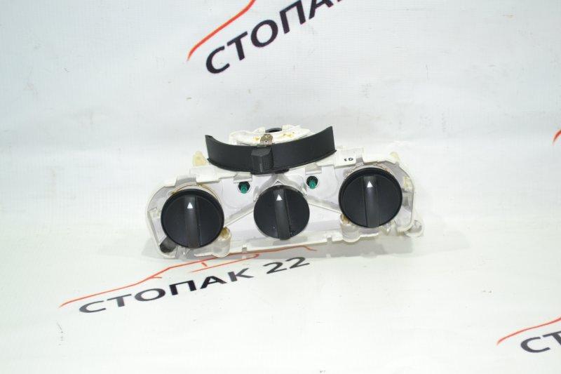 Блок управления печкой Toyota Corolla NZE121 1NZ 2001 (б/у)