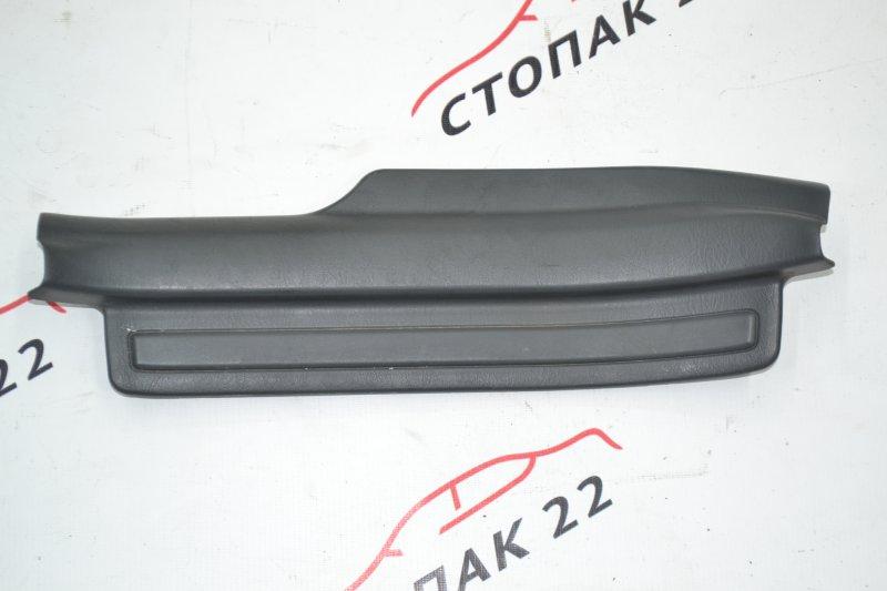 Накладка на порог Toyota Corolla NZE121 1NZ 2003 задняя правая (б/у)