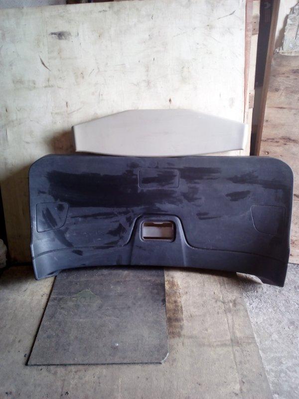 Обшивка двери багажника Nissan Wingroud Y12 (б/у)