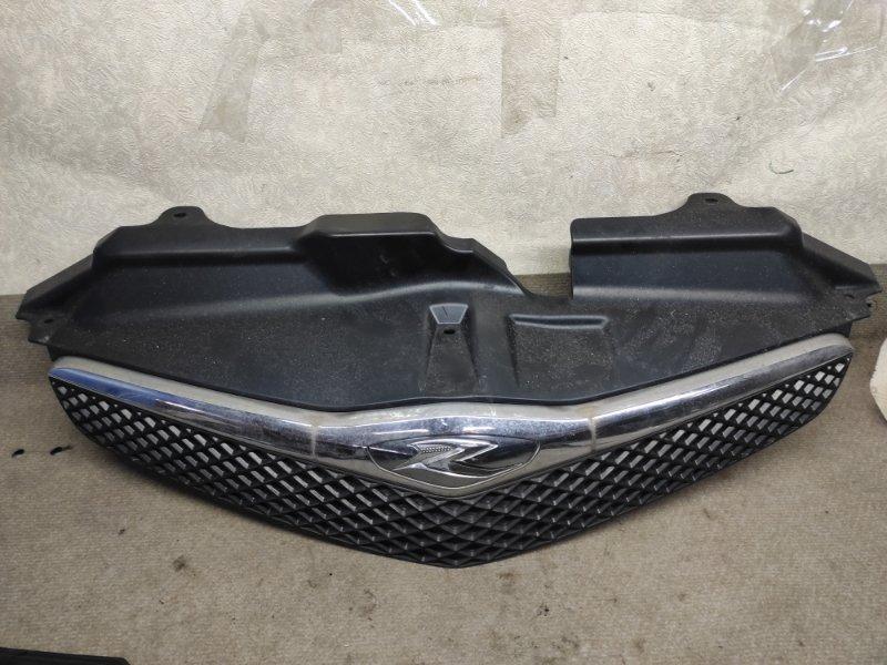 Решетка радиатора Toyota Ractis NCP100 2005 (б/у)