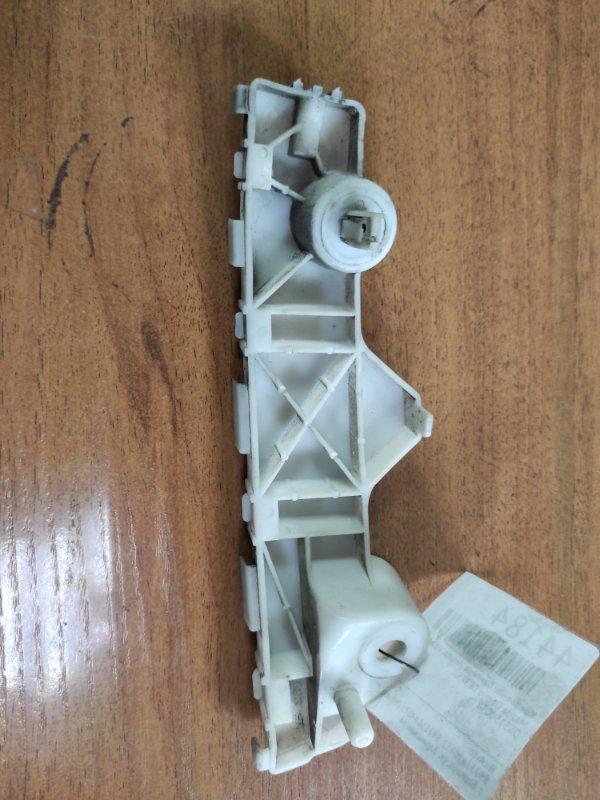 Крепление бампера Mazda Demio DE3FS переднее правое (б/у)