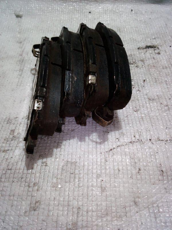 Тормозные колодки Toyota Ractis NCP100 переднее (б/у)