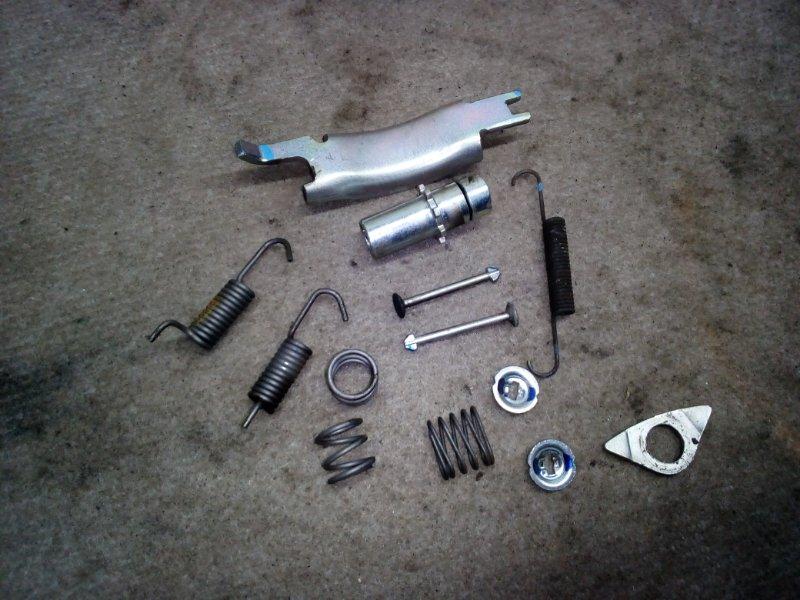 Механизм стояночного тормоза Subaru Impreza GH2 задний правый (б/у)